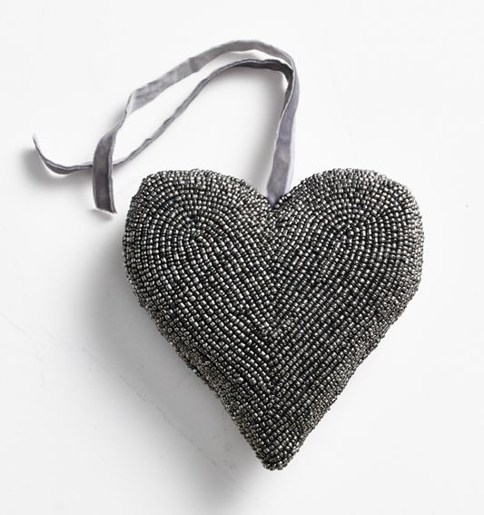 Christmas decorations! Beautiful handmade decorations in silver.  (Large beat heart, 15 cm) Buy at www.thetravellingband.dk