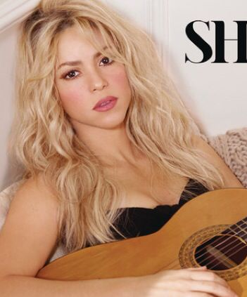 Love Shakira's makeup on her new album cover.....so sexy  natural
