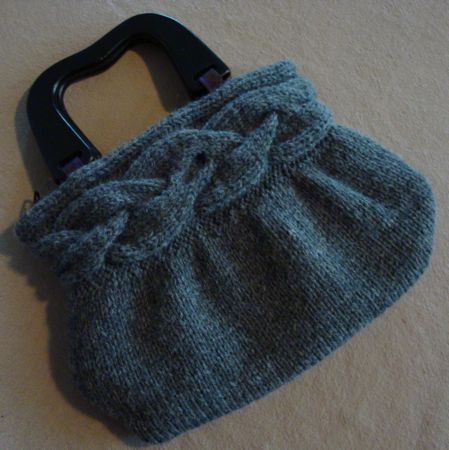Cable-Band Bag...love this!  Free pattern, too!