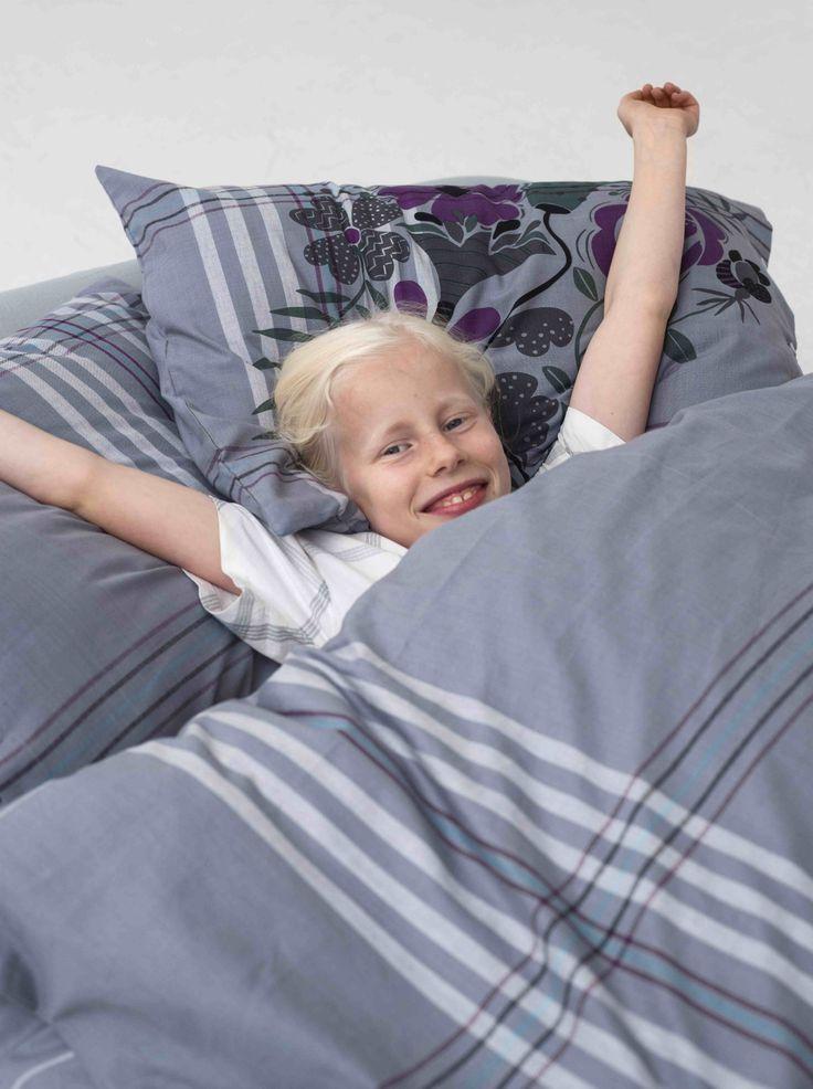 Gudrun Sjödén Frühling / Sommer 2014 -  Wer mag auch in so schöner und zugleich weicher Bettwäsche morgens aufwachen? Mehr unter: http://www.gudrunsjoeden.de/wohnen/produkte/kissen-bettbezuege