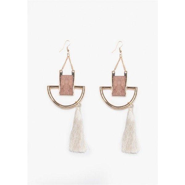 Leila Cream Horse Shoe Wood Tassel Earrings (700 RUB) ❤ liked on Polyvore featuring jewelry, earrings, cream earrings, horse jewelry, wooden earrings, tassel earrings and cream jewelry