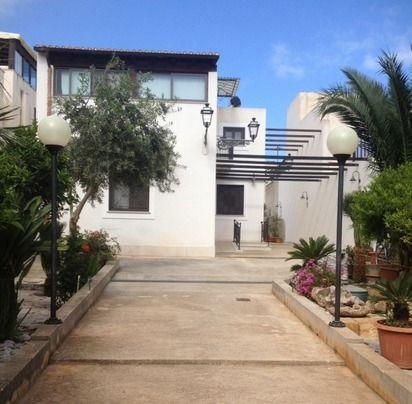 Casa Vacanza Blu a San Vito Lo Capo con posto auto - HouseTrip.it