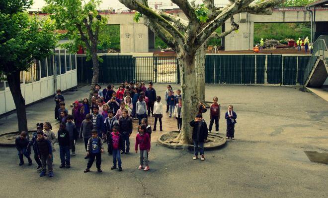 """""""Silence fluo"""" : un projet pédagogique pour pacifier un conflit entre une école et Réseau Ferré de France"""