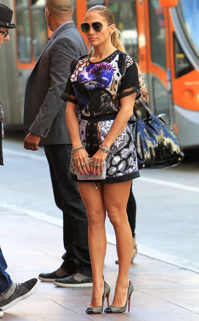 Jennifer Lopez rocks a stylish printed combo while showcasing her gorgeous gams!
