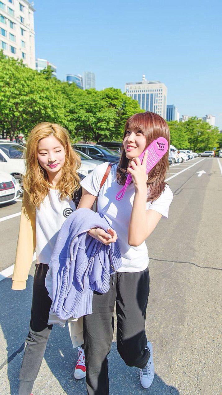 Dahyun & Momo