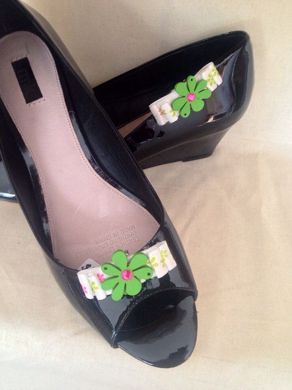 Hot pink green and white flower double bow shoe by DesignedbyDivas, $22.95