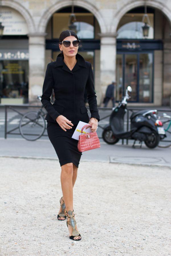 Giovanna Battaglia chic in black blazer & skirt #StreetStyle