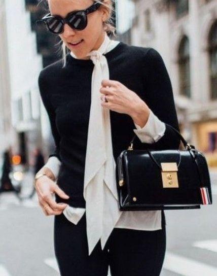 P&D MODEBERATUNG empfiehlt Bluse mit Schluppe#schluppenbluse#schleife#bändern#zumbinden#bluse#elegant#schwarz#weiß#black#white#business#women#frauen#40plus
