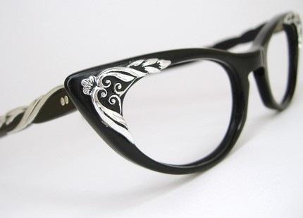 Cat eye frames