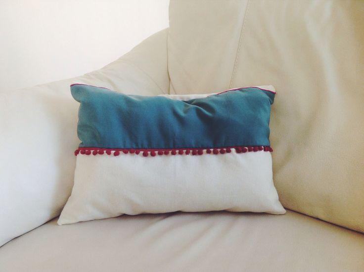 Keten kumaş ve ipek kumaş kullanılarak hazırlanan dekor yastıklar... #Didowa #HomeDecor #Yastık