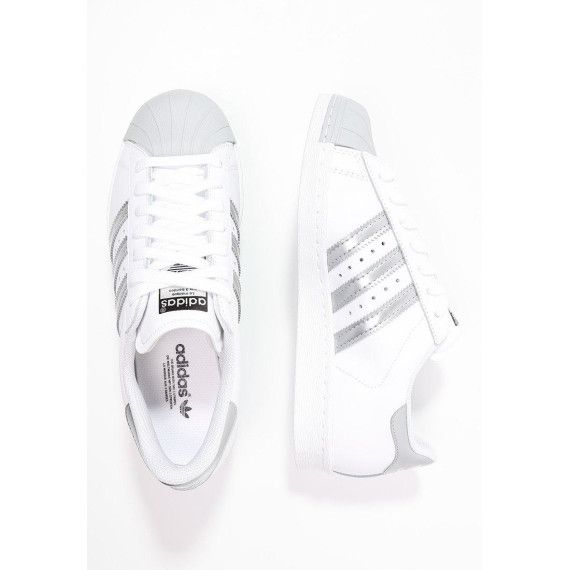 Coole Adidas Superstar Sneakers mit silbernen Highlights!