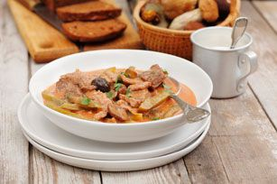 Looking for a comforting beef stroganoff recipe that's easy to make? Check out our yummy Beef Stroganoff with Mushrooms and Peppers. Herb and garlic cream cheese adds wonderful flavour and velvety texture to the sauce.
