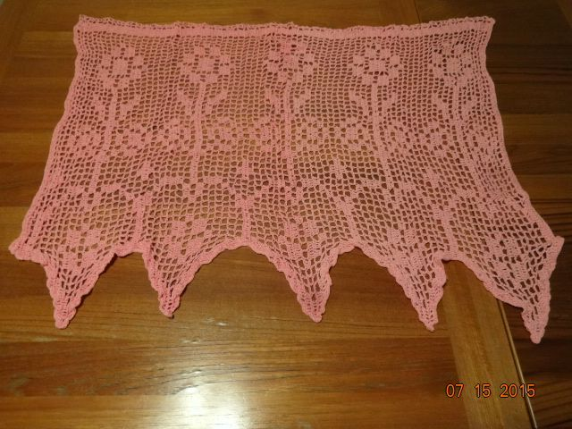 Crocheted Girl's Room Mini Curtain #3