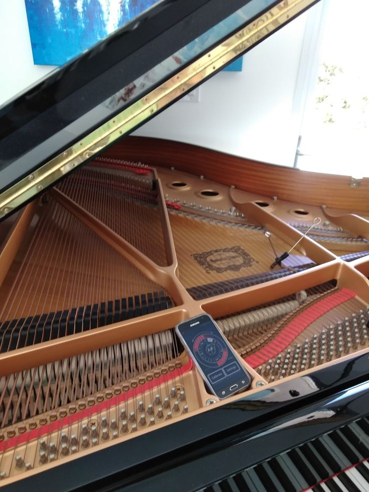 Tuned a Yamaha Grand Piano yesterday .Found out it's former owner was Bob Hope  Kamstra piano tuning LLC.com
