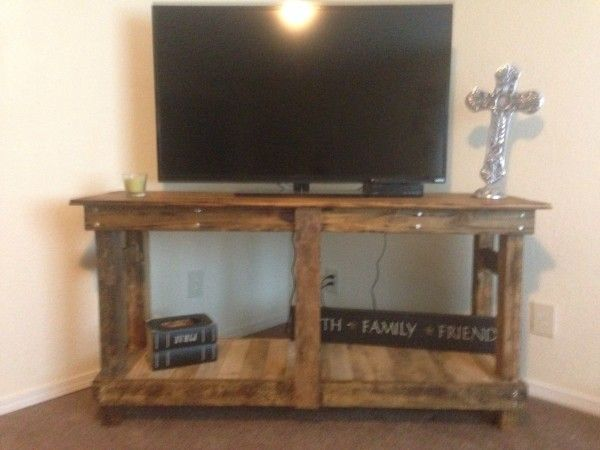 Pallet Rustic Tv Stand Do It Yourself Home Projects From Ana White Living Room Tutorials