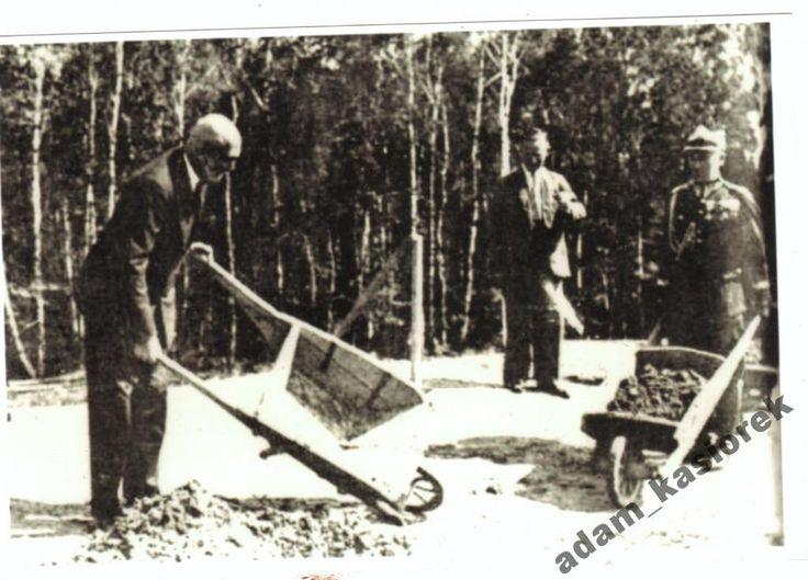 938A Prezydent Mościcki buduje Kopiec Piłsudskiego