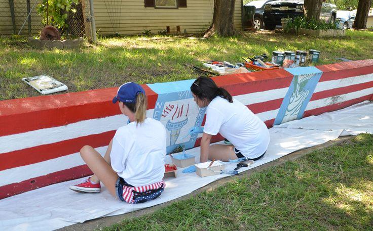 Dalworth Restoration Volunteers Spruce Up Patriotic Mural in Arlington, Texas as Act of Kindness Read more: http://www.arlington-tx.gov/news/2017/07/03/dalworth-restoration-volunteers-spruce-patriotic-mural-arlington-act-kindness/