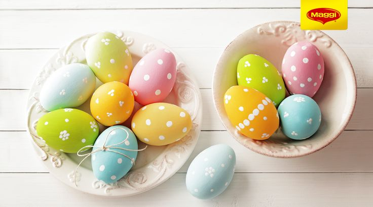 Easter eggs // Oua de Paste Pin it daca ati terminat deja de incondeiat ouale si haideti pe https://www.maggi.ro/retete pentru si mai multe retete delicioase!