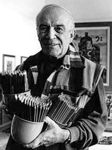 Karel Franta (*1928, Libčice nad Vltavou) se vyučil v Praze grafickým kreslířem. Později vystudoval Akademii výtvarných umění. Pracoval jako grafik a výtvarný redaktor např. v nakladatelství Mladá fronta, ilustroval dětské časopisy a mnoho knižních titulů pro domácí i zahraniční nakladatele. Jeho kresby zdobí více než sto dětských knižních titulů. Rovněž ilustroval učebnice a poštovní známky. Vytvořil kreslené a loutkové filmy, s nadšením vymýšlel i komiksy a příběhy pro děti.