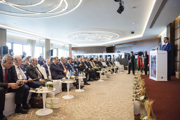 """Birleşmiş Milletler Gıda ve Tarım Örgütü'nün (FAO) Avrupa ve Orta Asya Bölgesel Konferansı'nın 30'uncu oturumu Türkiye'nin ev sahipliğinde #Antalya'da gerçekleştirdik.  4-6 Mayıs tarihlerinde gerçekleştirdiğimiz bölgesel konferansın önemli iki gündem maddesini """"Sürdürülebilir Kalkınma Hedefleri"""" ile """"2016 Uluslararası Bakliyat Yılı"""" oluşturdu.  53 ülkenin bakan ve delege düzeyinde temsil edildiği konferansta bölgesel öncelikleri ve sorunları masaya yatırdık.  [4-6 Mayıs 2016]"""