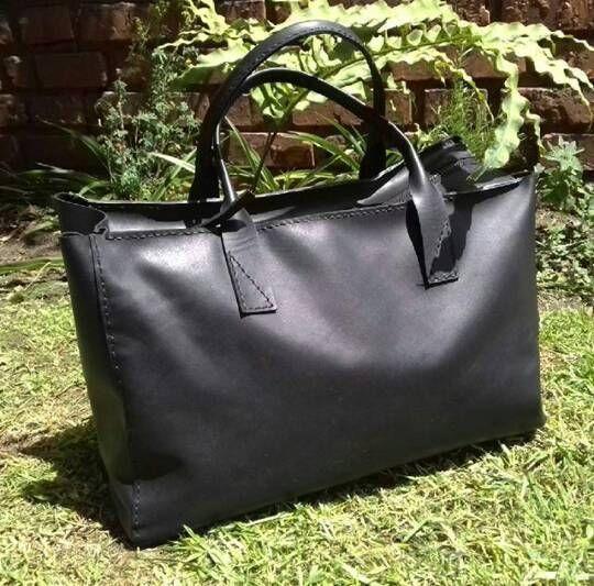Mira este artículo en mi tienda de Etsy: https://www.etsy.com/es/listing/572365277/leather-bag-handbag-totebag-leather-tote