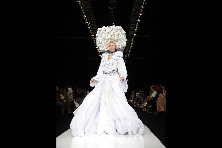 Jakarta Fashion Week—Photos - WSJ.