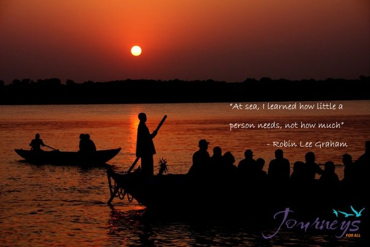 """""""Older than history, older than tradition, older even than legend, And looks twice as old as all of them put together """" - Mark Twain Enjoy a boat trip at sunrise and sunset in the #oldestcityoftheworld. Follow us and explore the abode of #LordShiva #JFA."""