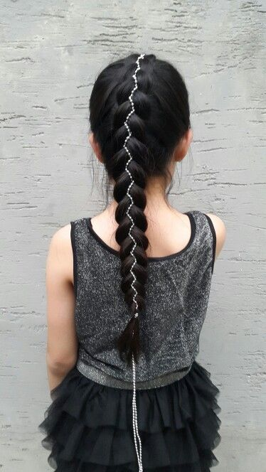 Five strand ribbon braids