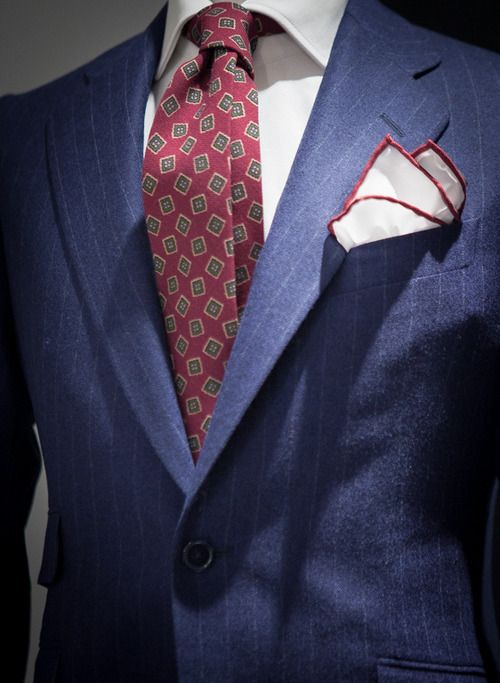 Monday Suit: matching it with burgundy items. #mensfashion