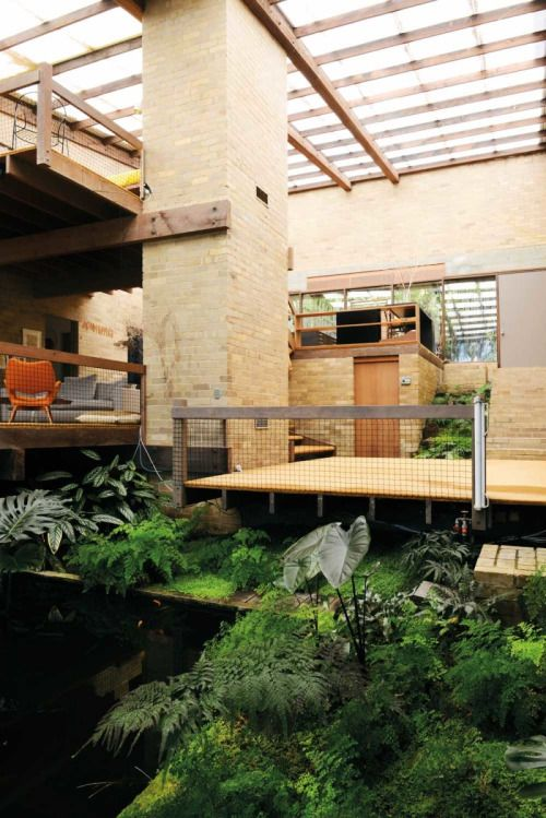 archatlas: Robin Boyd's Featherston House Lauren Bamford From the Thames & Hudson published a book: Indoor Green : Living with Plants by Lauren Bamford.
