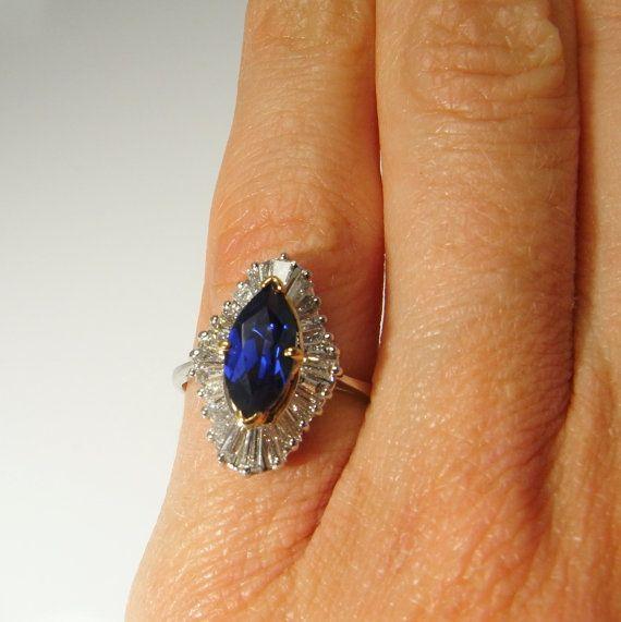 Diese schöne Hand Ceylon Farbe natürliche Erde abgebaut Saphir und Diamant Ballerina Stil gemacht die Klingeln reicht bis in die 1950er Jahre. Jeder