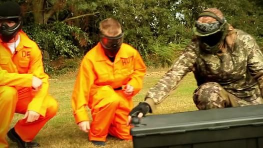 Paintball profesionist http://www.dailymotion.com/video/x1kgm9a_stelian-ilie-paintball-profesionist_lifestyle