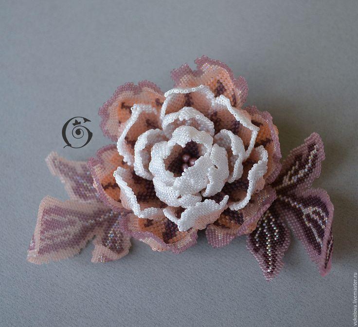 """Купить Колье-трансформер """"Аматэрасу"""" - кремовый, белый, пион, цветок, объемная вышивка, ожерелье, колье"""
