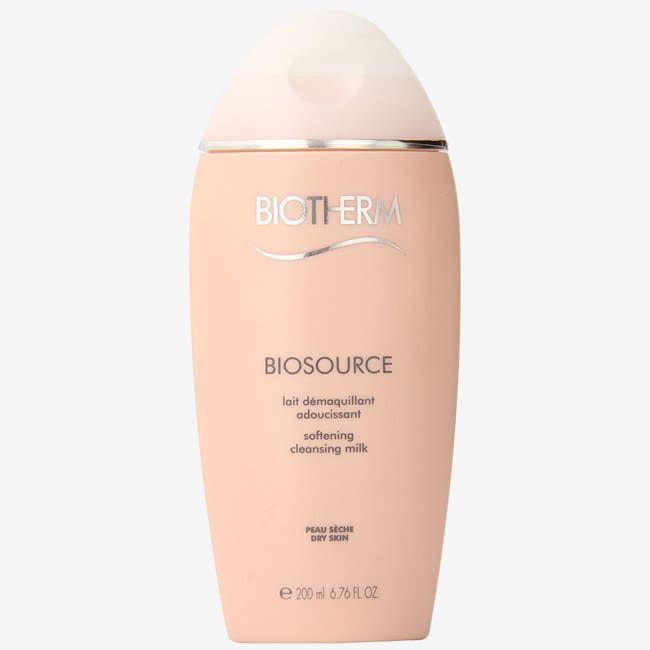 """Promising Review: """"I was advised to try this cleansing milk for my dry skin, and I have noticed a great improvement. Plus, it is very gentle on my face."""" —Anna Blundell Get it from Amazon for $18.75 or StrawberryNet for $24."""
