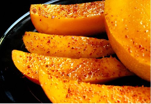 mango con chile, limon, y sal = mango with chili, lime & salt. My ...