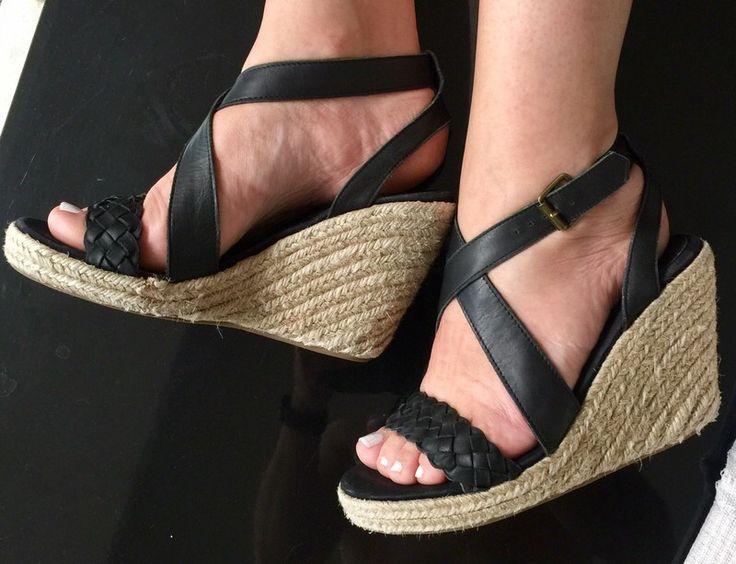 Nu pieds compensées noires tressées  La Redoute ! Taille 38  à seulement 7.50 €. Par ici : http://www.vinted.fr/chaussures-femmes/compensees/35204143-nu-pieds-compensees-noires-tressees.
