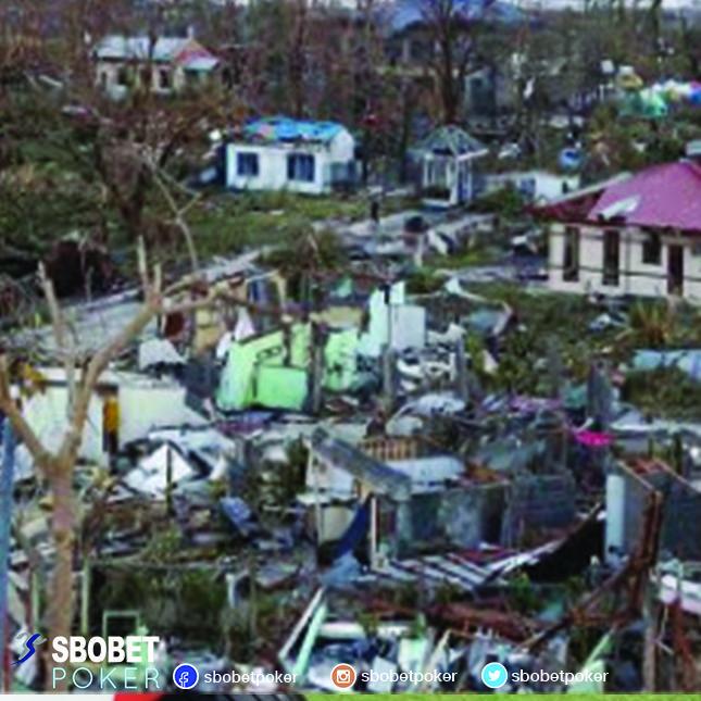 Para pemain poker membantu korban Filipina untuk sembuh dari trauma bencana angin topan dengan meraih $100,000 didalam 48 jam #Sbobetpoker