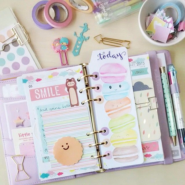carladetaboada: Page Marker Absolutely inspired by the lovely @happiescrappie  I had to try my version of the macaron page marker! Go and check the @cocoadaisykits blog for Sam's tutorial and tips!  Thank you so much Sam!  #JanPlannerChallenge