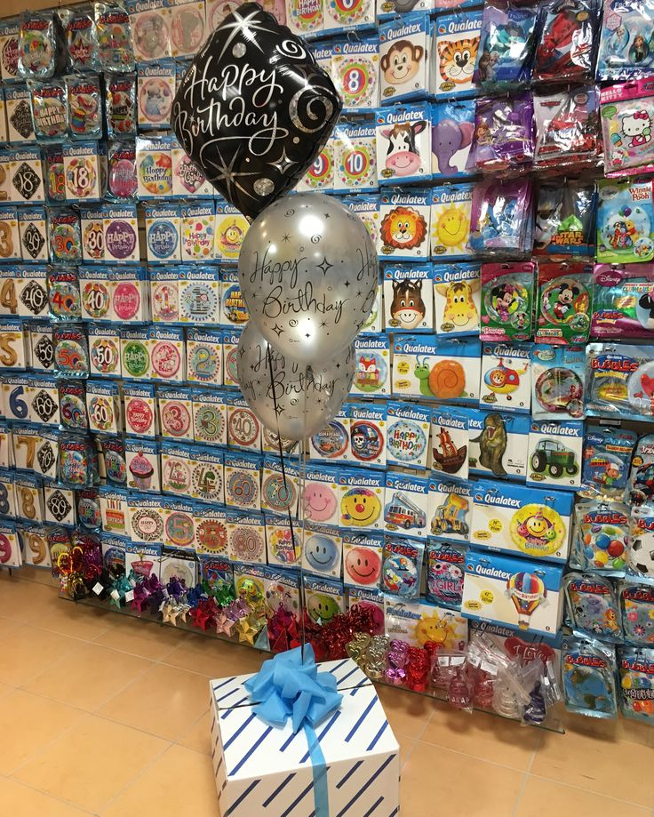 Születésnapi meglepetés dobozos lufi dekoráció.  #szülinap #lufi #meglepetés #doboz #ballooninbox #balloon #birthday