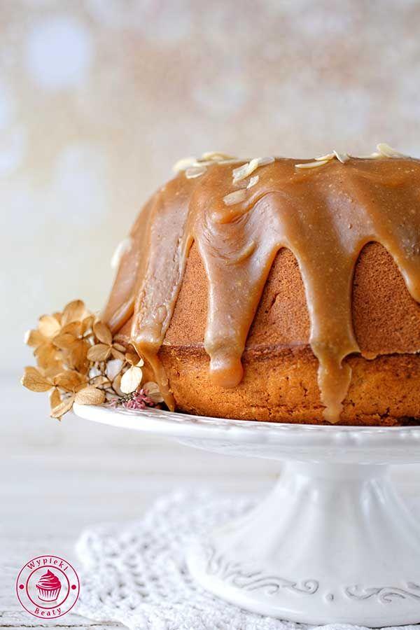Banana pound cake with peanut butter frosting - babka bananowa z lukrem orzechowym