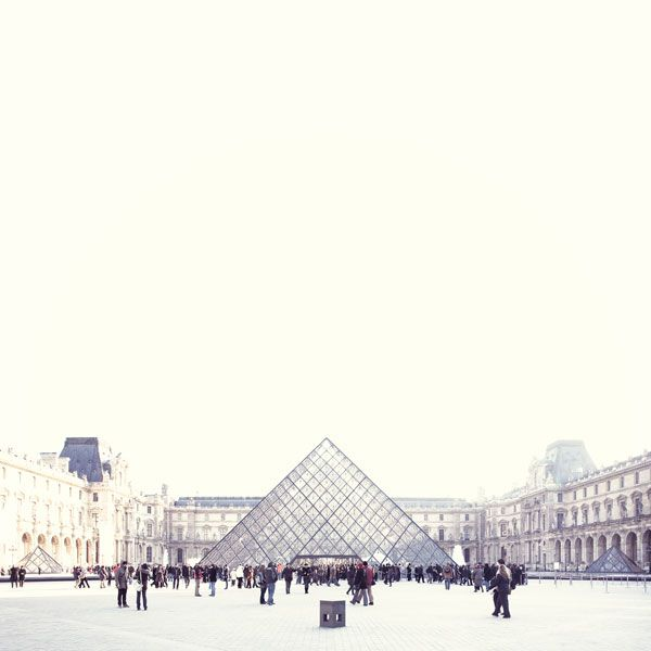 louvre   photo by yosigo.