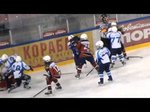Best hockey fight EVER - YouTube