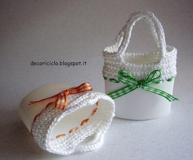 mini borsettine con flaconi shampoo e lavorazione all'uncinetto, by decoriciclo, via Flickr