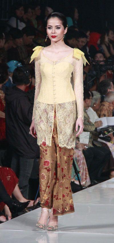 modern kebaya, design by widhi budimulia, indonesia