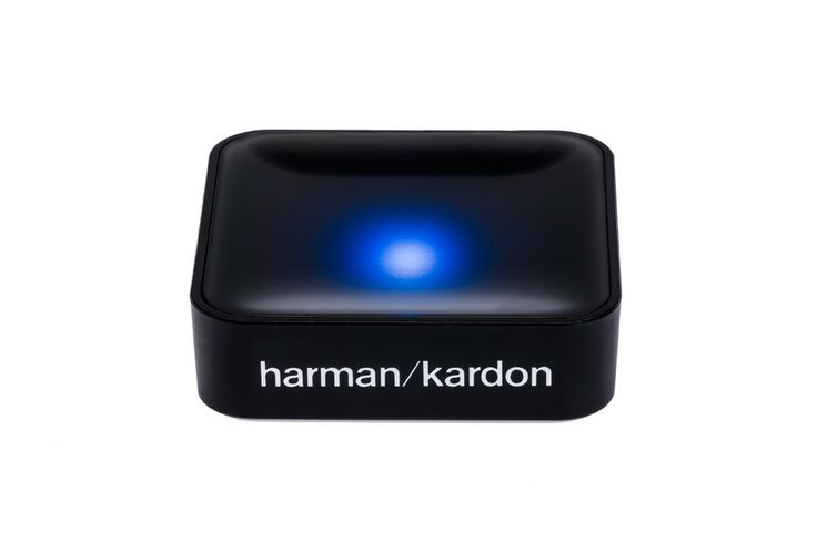 NIEUW is de optionele Harman Kardon Bluetooth BTA-10 Adapter. Daarmee is het mogelijk muziek zonder kwaliteitsverlies, draadloos te streamen van elke smartphone of tablet. Ongeacht het operating system (iOs, Android, Windows of Blackberry).