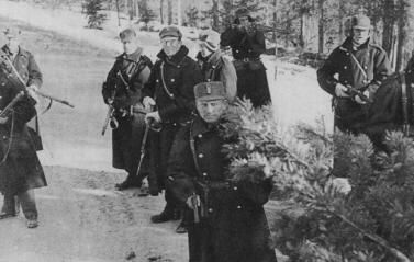 Norwegian uniforms and weapons 1940