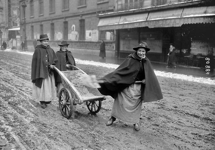 Les déneigeuses de l'époque en 1917 les plus belles photos de paris sous la neige