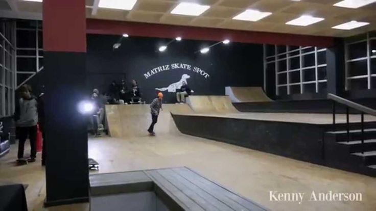 Equipe Internacional Glassy Sunhaters visita a Matriz Skate Shop - http://DAILYSKATETUBE.COM/equipe-internacional-glassy-sunhaters-visita-a-matriz-skate-shop/ - http://www.youtube.com/watch?v=7z47uWhl8FA&feature=youtube_gdata O final de semana dos dias 24 e 25 de Maio de 2014 foram marcantes pra quem acompanhou a tour internacional da equipe Glassy Sunhaters em Porto Alegre! Mike Mo Capaldi   Brandon Biebel  ... - Equipe, glassy, internacional, matriz, shop, skate, Sunhaters