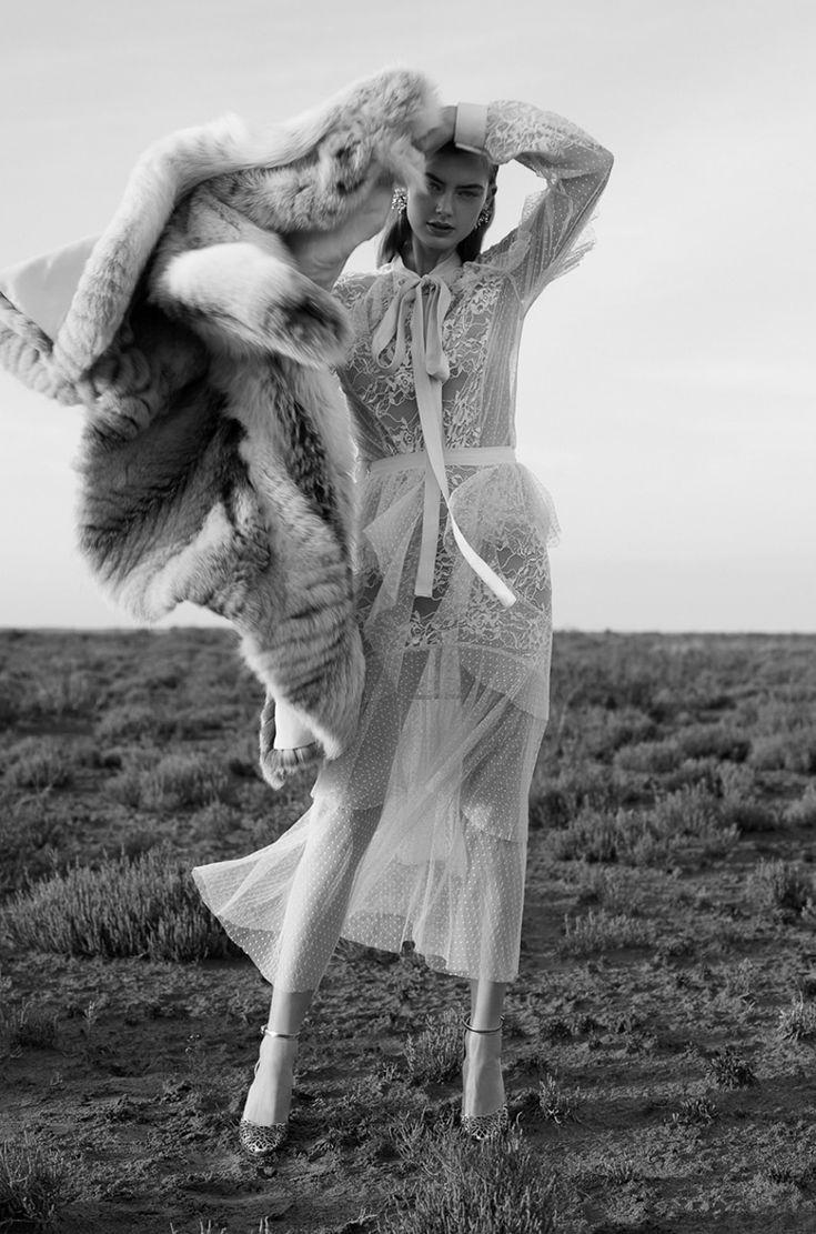 Harper's Bazaar Mexico January 2018 Hanna Verhees by Vladimir Marti