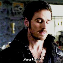 ouat 3x16 #hook  HIS FACE, THATS SMILE UGH. WHAT A CUTIE. Haha